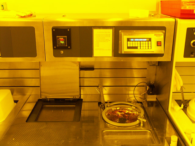CEE 100CB Bench Mounted Spinner/Hotplate